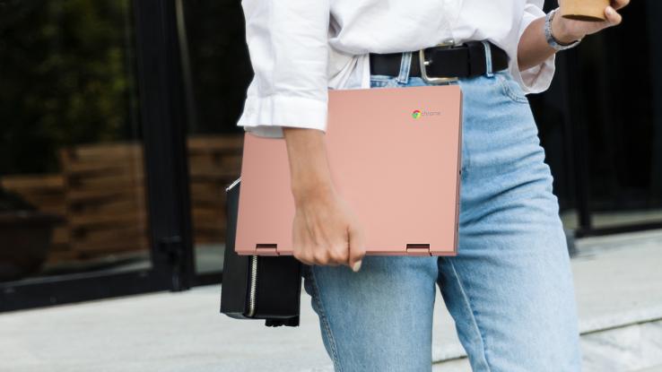 Lenovo-Chromebook-C340_vrouw